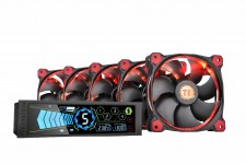 Thermaltake Commander FT Touch Screen Fan Controller supports up to five independent fans, each channel delivers up to 10W to drive any type of fans. (1024x683)